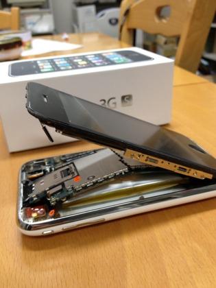 iPhoneの画面が外れる壊れ方