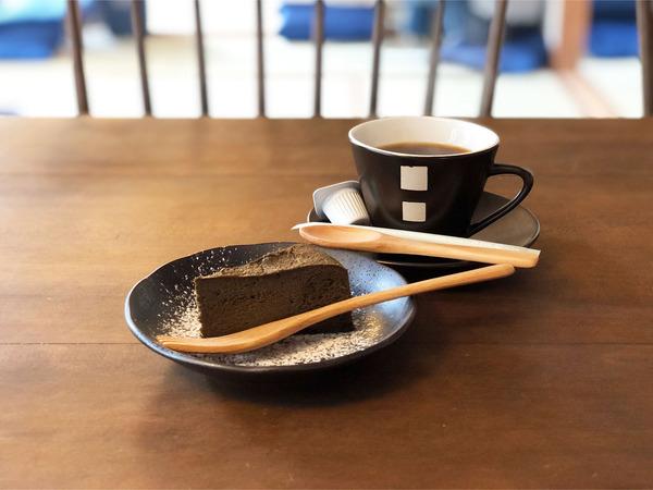 10食後のデザートとコーヒー