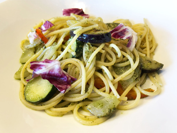 06パスタ:彩り野菜のジェノベーゼ