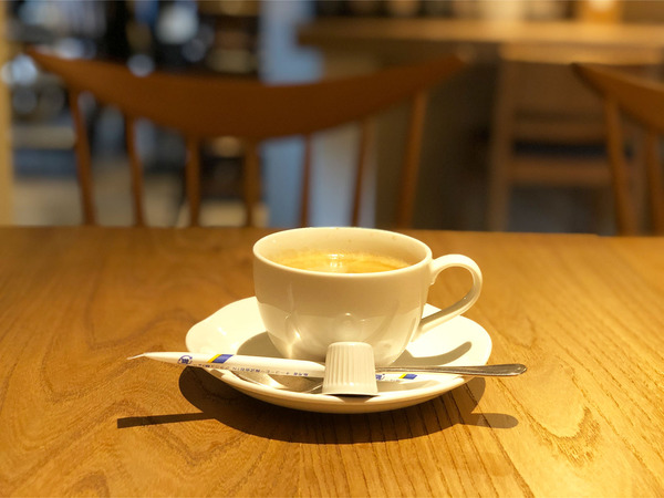05ホットコーヒー(440円)
