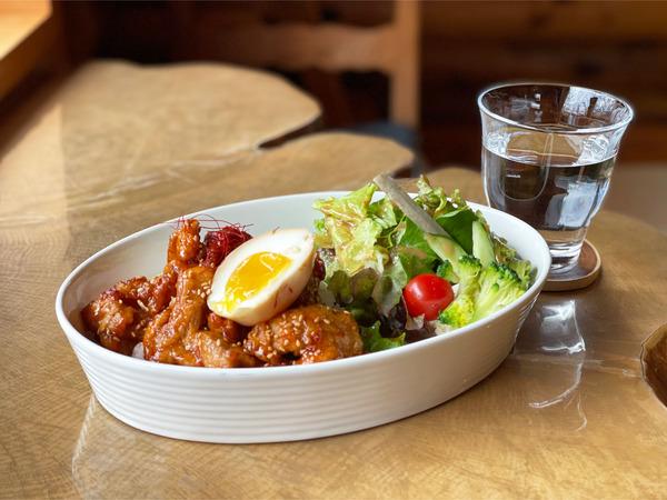 01揚げ鶏どーーん(900円)韓国