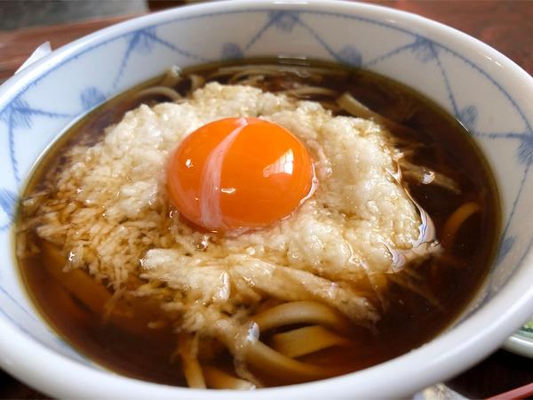 04かけそばハーフ+とろとと卵(300円)