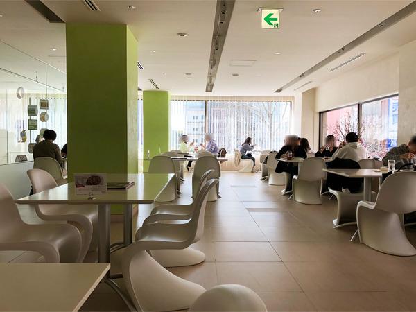10喫茶室店内