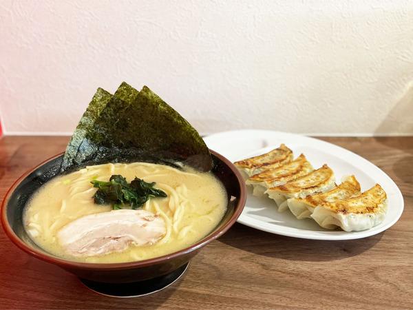 01醤油ラーメン(790円)餃子(390円)
