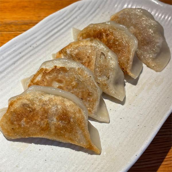 03十勝小麦の焼き餃子(548円)