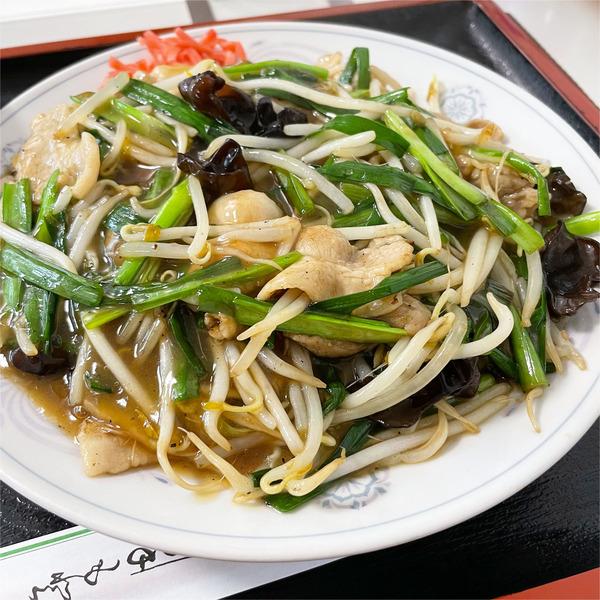 01肉ニラあんかけ焼きそば(850円)