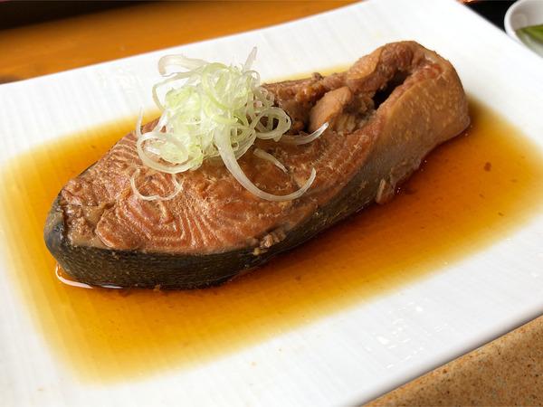 02本日のお魚は「マス」
