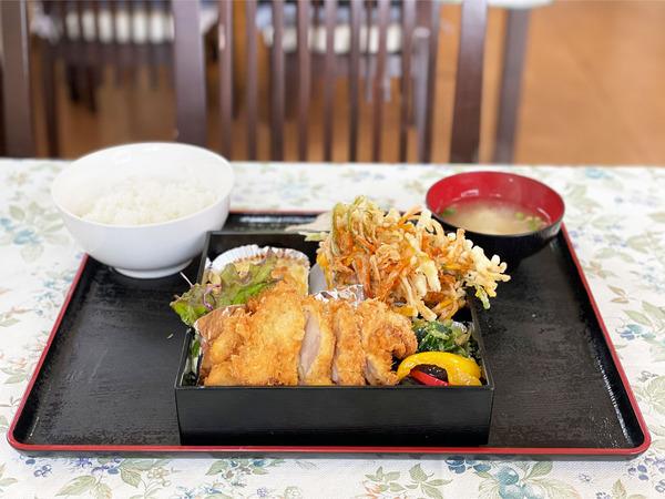 01ひなた弁当(800円)