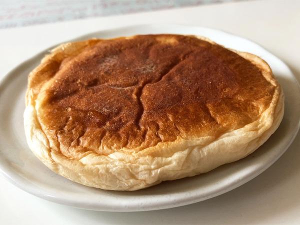 04五色豆パン(130円)