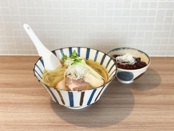 01鶏そば塩 特製(1100円)・ミニ照り焼き丼(350円)