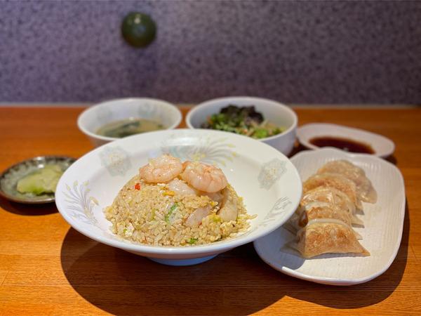 01海老チャーハンランチ(1045円)・十勝小麦の焼き餃子(548円)