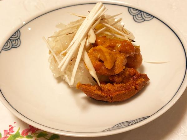 05飯蒸し・ウニと天は松茸
