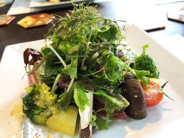 04十勝で育ったお野菜を中心にしたサラダ