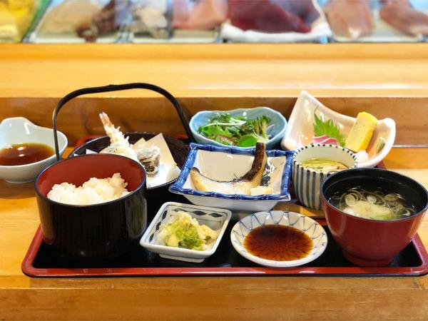 01昼の定食(1760円)