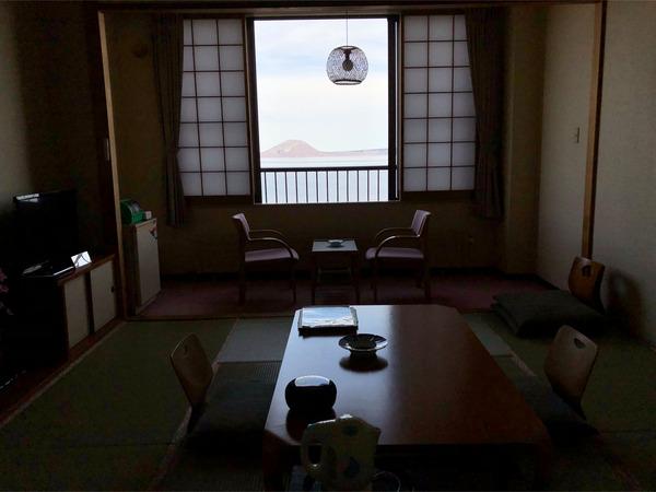 10湖水側客室