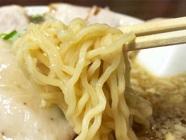 03チャーシュー麺・醤油(950円)麺