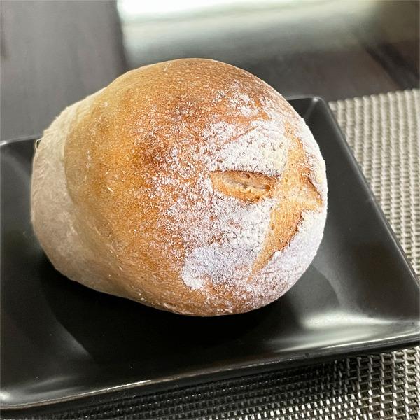 05自家製パン