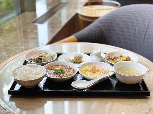 01平日限定中華料理小皿ランチ(1400円)