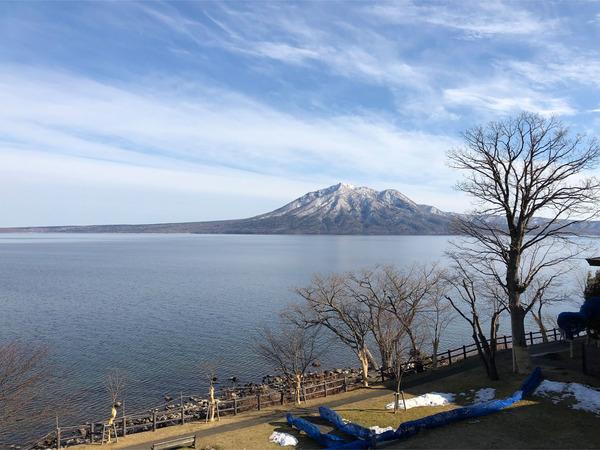 13客室から支笏湖と風不死岳