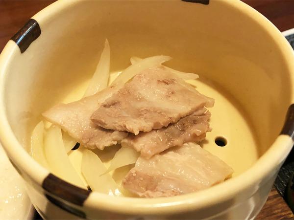 18道産豚と玉葱の蒸し物 帯広名物豚丼タレ添え