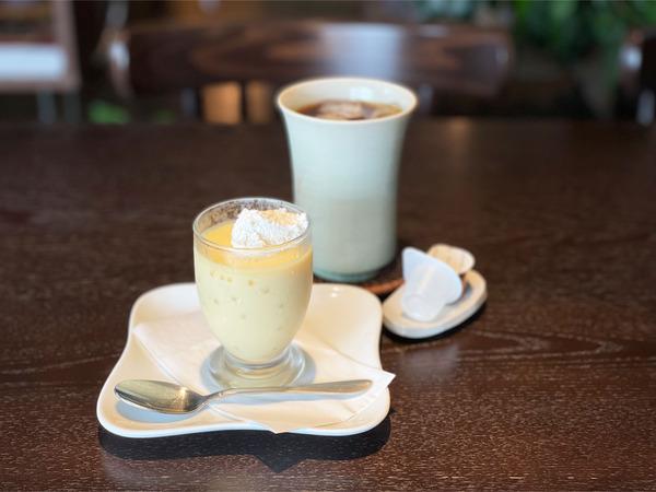 01手作りプリン・水出しアイスコーヒー(500円)