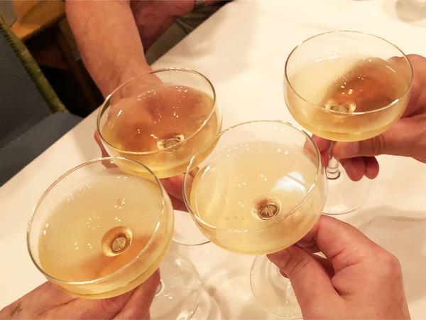 01ノンアルシャンパンで乾杯
