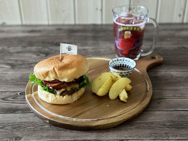 03ハンバーガー(1300円)