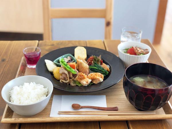 01あかお定食(1100円)