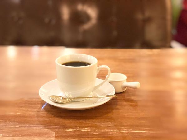 06ホットコーヒー(422円)
