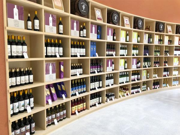 151階ワイン棚