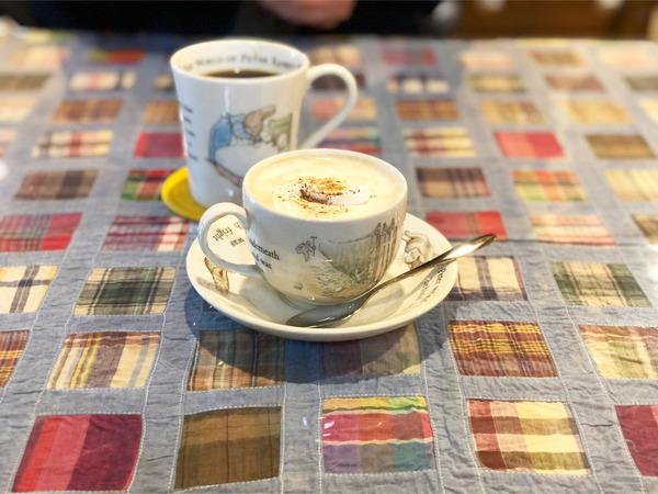 08食後のコーヒー(200円)アーモンドオレ(450円)