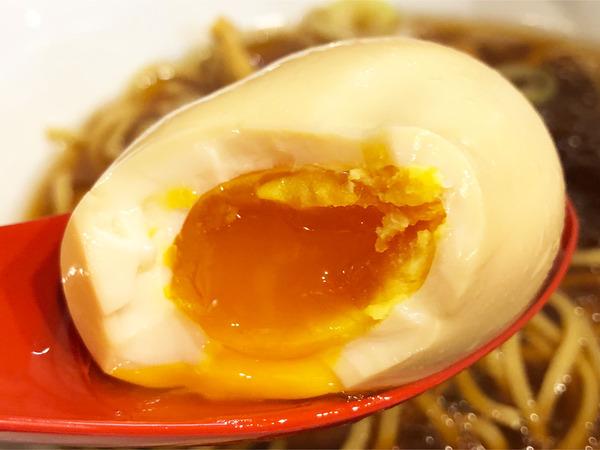 04味玉醤油らーめん(880円)味玉