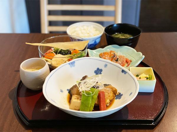 01銀だら煮付御膳(2000円)