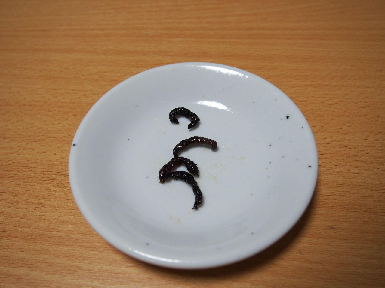 ざざむしとは、トビケラ等の幼虫を佃煮にしたもので、山奥の伊那地区では冬季における貴重なタンパク源とされていた食物だ。