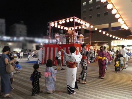 20170812熱々コロッケ05盆踊り