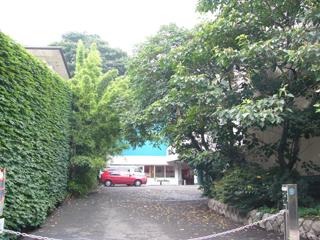060725日仏学院入り口
