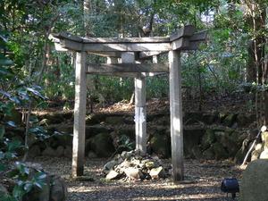 三柱鳥居・蚕の社 (2)