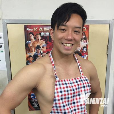 吉田綾斗店長