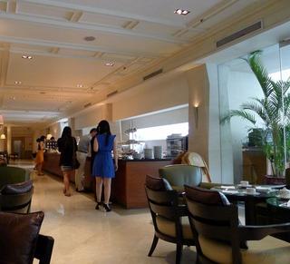 1泊3日、シンガポールの旅  - グッド・ウッド・パーク・ホテル内のカフェ・レスプレッソ(L'Espresso)のハイティー