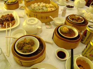 羽田発香港の旅 - 香港名物「飲茶」を美心大酒樓(Maxim's Chinese Restaurant)で食す!
