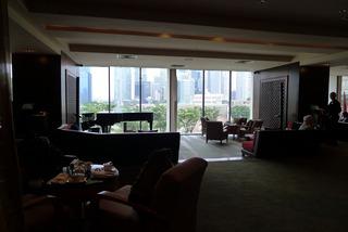 1泊3日、シンガポールの旅  - マンダリン オリエンタル シンガポール内のアクシス バー(Axi's Bar)のハイティー