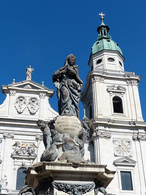 marian-column-116886_640