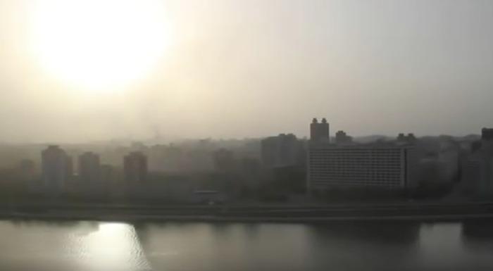 北朝鮮・平壌で毎朝ながれる不気味な音楽(海外の反応)