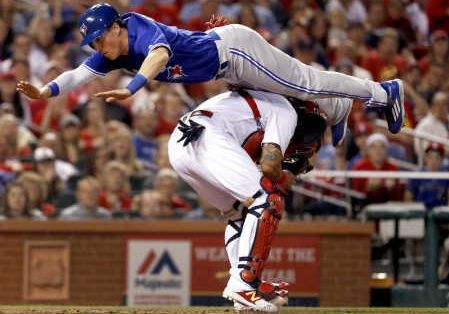 MLBでスーパープレー!キャッチャーを飛び越えて本塁に生還(海外の反応)