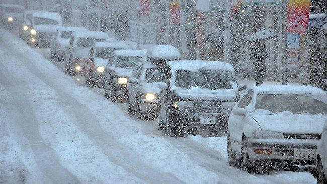 東京都心で大雪、帰宅の足直撃(海外の反応)