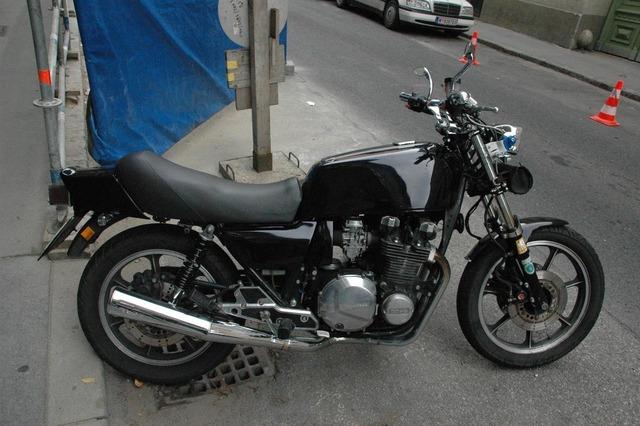Kawasaki_KZ_black