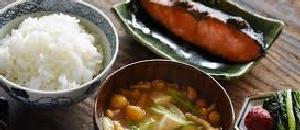 日本食と西洋式健康食はどっちがヘルシーなの?【海外の反応】