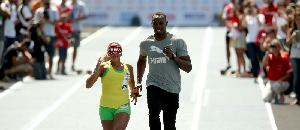 パラリンピックで盲目選手の手を引くウサイン・ボルト【海外の反応】
