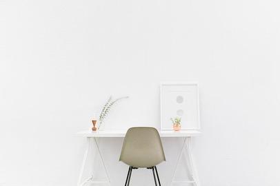 desk-g2fa6630c9_640