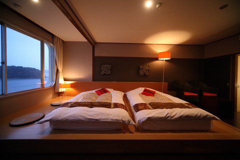 しおさい館ステージベッド